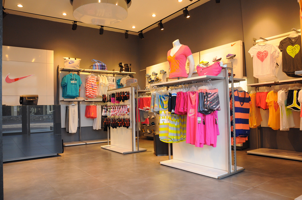 Mercure international nouveau magasin nike l 39 ile maurice for Maurice boutique