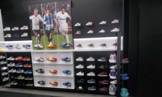 new styles d8532 9e920 Mercure International  Adidas store à Tunis